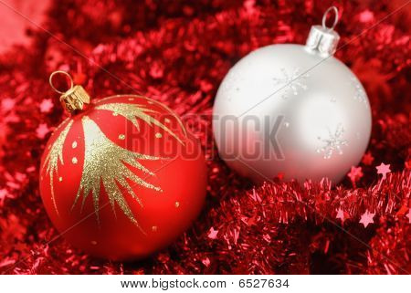 Close-up Photo Of Red And White Christmas Balls