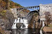 pic of crotons  - Croton Gorge dam spill over in New York - JPG