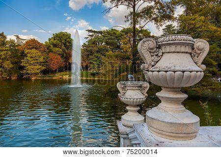 Fountain and pond near Crystal Palace - Madrid Spain