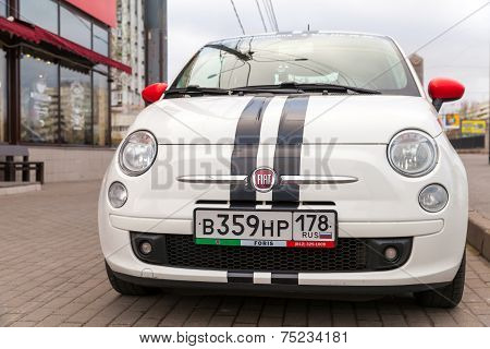 Fiat 500 Car Stands On The Roadside In St.petersburg