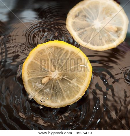 Slice Lemon In Water