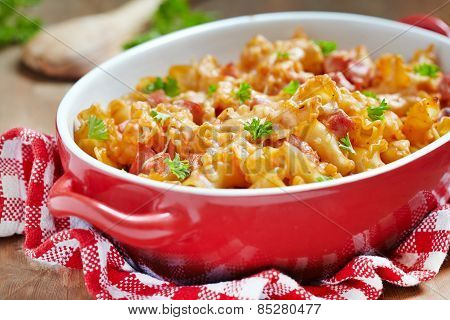 pasta casserole with cheese and ham
