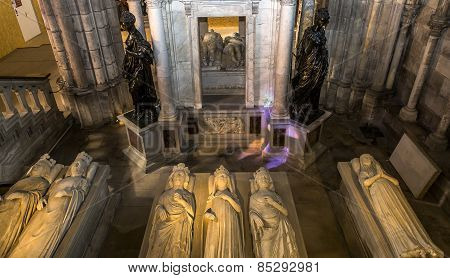 Recumbent statues in basilica of saint-denis,  France