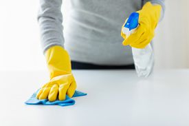 pic of detergent  - people - JPG