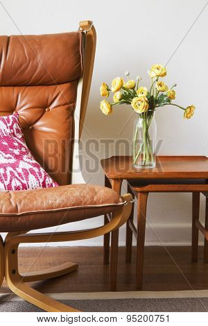 Cropped Vintage Tan Leather Chair With Teak Side Tables