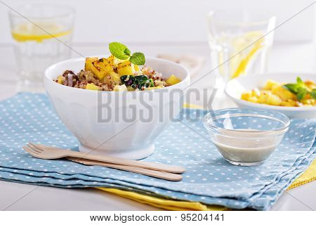 Quinoa with pineapple and vegetables