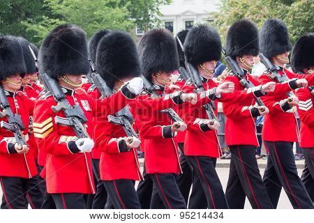 London Changing Guards