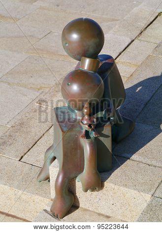 Bronze sculptures on the boulevard of Scheveningen