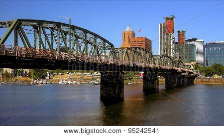 Hawthorne Bridge Over Willamette River In Portland