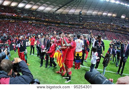 Fc Sevilla Players Celebrate After Winning Uefa Europa League Trophy