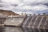 foto of dam  - Grand Coulee Dam is a gravity dam on the Columbia River in Washington State is the largest electric power producing facility in the United States - JPG