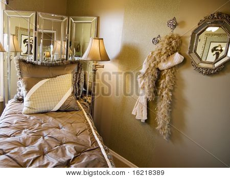 Flapper Twenties Style Decor