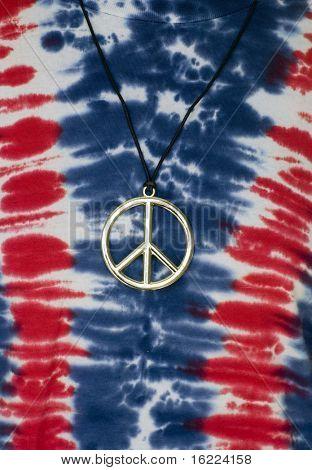 Camisa de Tie Dye hippie con el símbolo del signo de la paz
