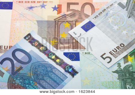 Euro Money Eight