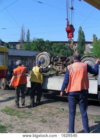 Reparatur der Straßenbahn