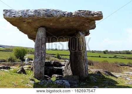 Poulnabrone Dolmen, Hole of Sorrow, County Clare, Ireland