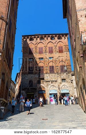 Entrance To The Piazza Del Campo In Siena, Tuscany, Italy