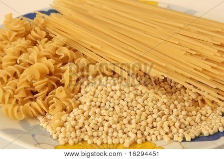 Spaghetti, noodles and macaroni