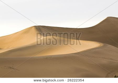 Mesquite dunes at Stovepipe Wells, Death Valley, California, USA