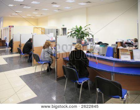 Besucher in bank