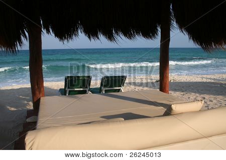 Relaxation in paradise
