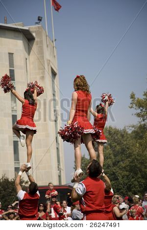 Ohio State cheerleaders entertain the crowd