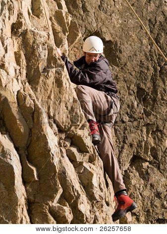 escalador pululando