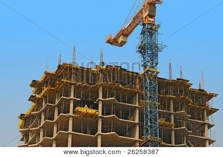 monolithic housebuilding and crane