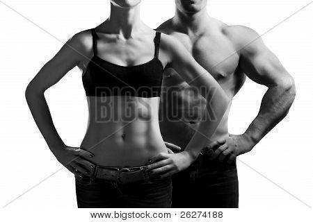 hombre y una mujer en el gimnasio