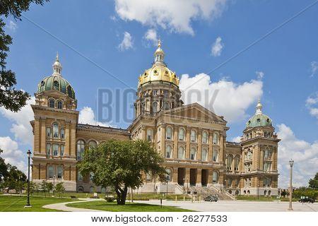 O Capitólio do estado de Iowa é o Capitólio do estado do estado americano de Iowa. O Gen de Iowa de habitação