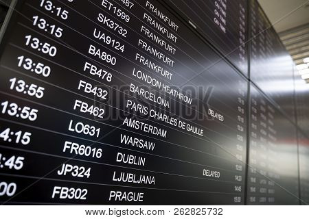 Boarding Time Monitor Screens Timetable
