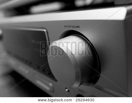 Volume control of a hi-fi amplifier