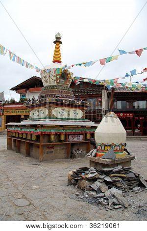 Tebetian Stupas