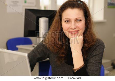 Mulher de negócios sorrindo