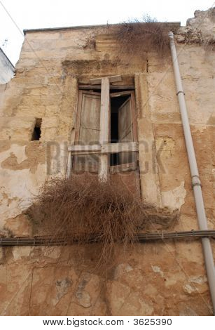 Window In Derelict Lecce Building