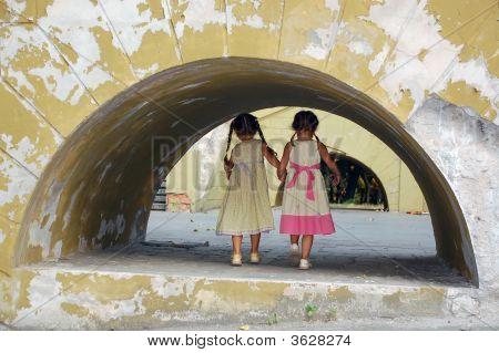 Girls In The Grunge Archway