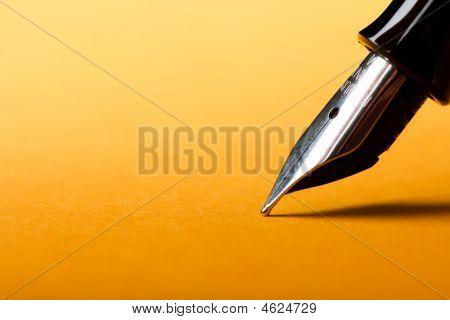 Caneta-tinteiro