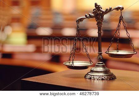 Dekorative Waage der Gerechtigkeit