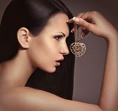 foto of diva  - Fashion woman with jewelry precious decorations - JPG