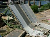 picture of collapse  - Collapse of the Highway 35W bridge in Minneapolis Minnesota - JPG