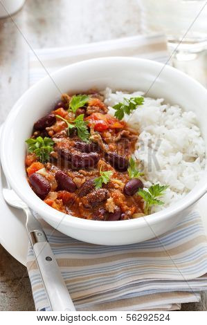 Healthy chilli con carne with rice.