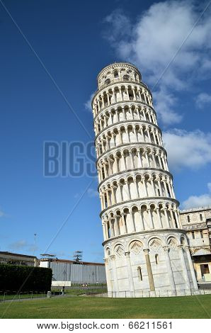 Pisa tower details