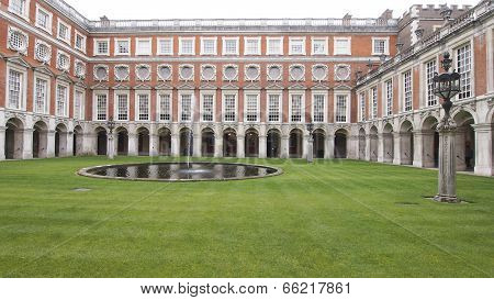 Hampton Court Palace Fountain Garden