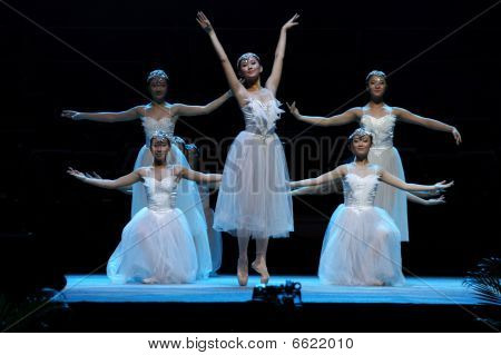 A group of chinese ballet dancers