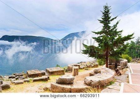 Walking In Delphi