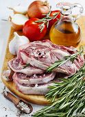 pic of lamb shanks  - Raw Lamb Cutlets With Vegetables - JPG