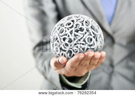Numbers forming a sphere on the women's hand