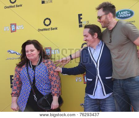 LOS ANGELES - NOV 16:  Melissa McCarthy, Ben Falcone, Joel McHale at the PS Arts Express Yourself Benefit at the Barker Hanger on November 16, 2014 in Santa Monica, CA