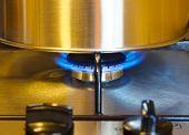 picture of saucepan  - Stovetop saucepan  - JPG