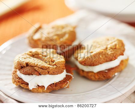 cream filled carrot cake cookies